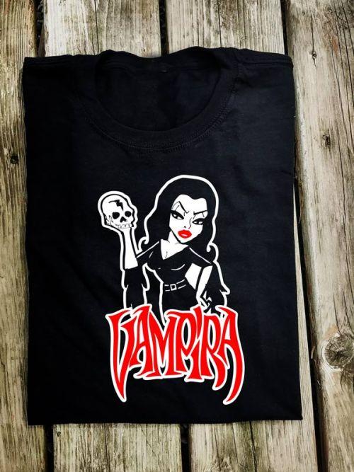 MONS002 Vampira