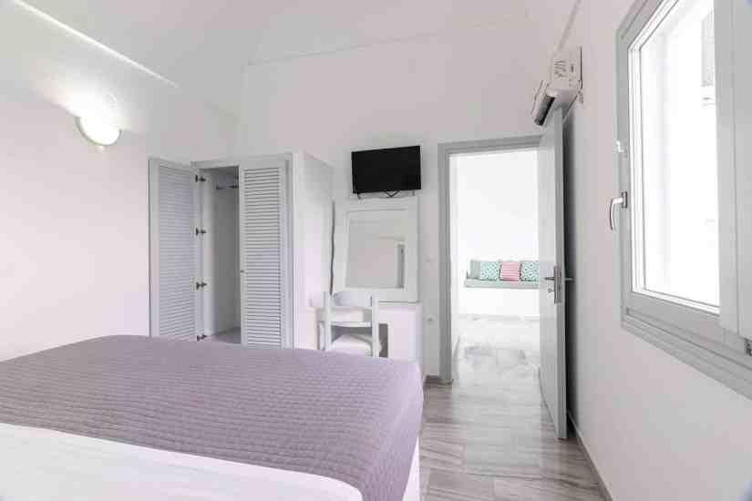 hotels in santorini, luxury hotels in santorini, villas in santorini, hotels santorini greece, best hotels in santorini, resorts in santorini