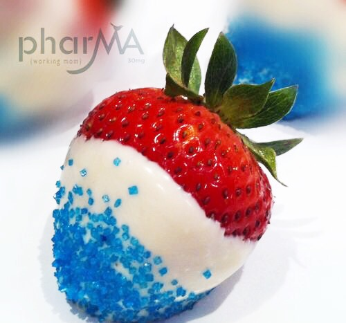 Red, White, and Blue Strawberries, fourth of july food, chocolate dipped strawberries, Patriotic party food ideas