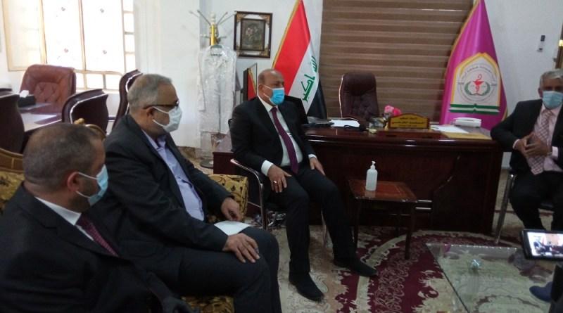 السيد محافظ كربلاء المقدسة والسيد رئيس جامعة كربلاء في زيارة لكلية الصيدلة