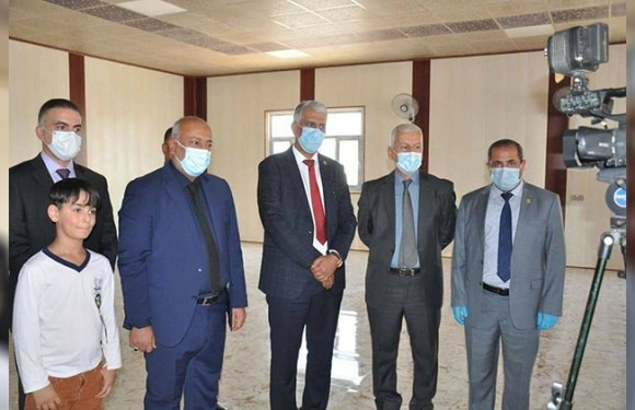 محافظ كربلاء يفتتح قاعات دراسية في كلية الصيدلة