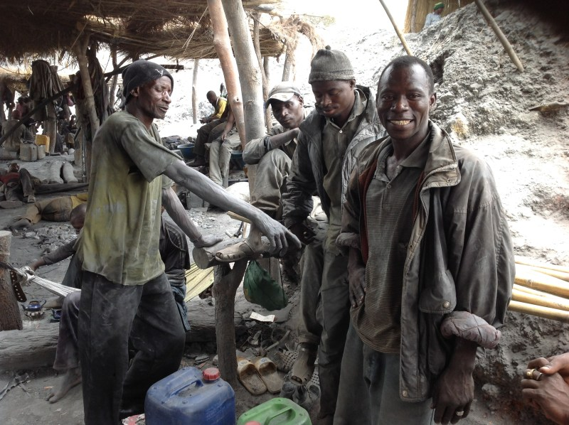 Day 5.1 Miners from an informal mine in Mali
