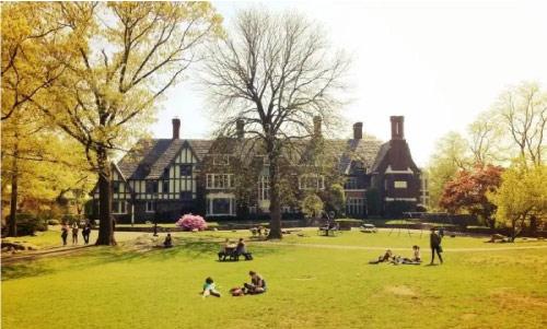 莎拉劳伦斯学院:拒绝了普林斯顿大学的合并要求的学校是什么来头