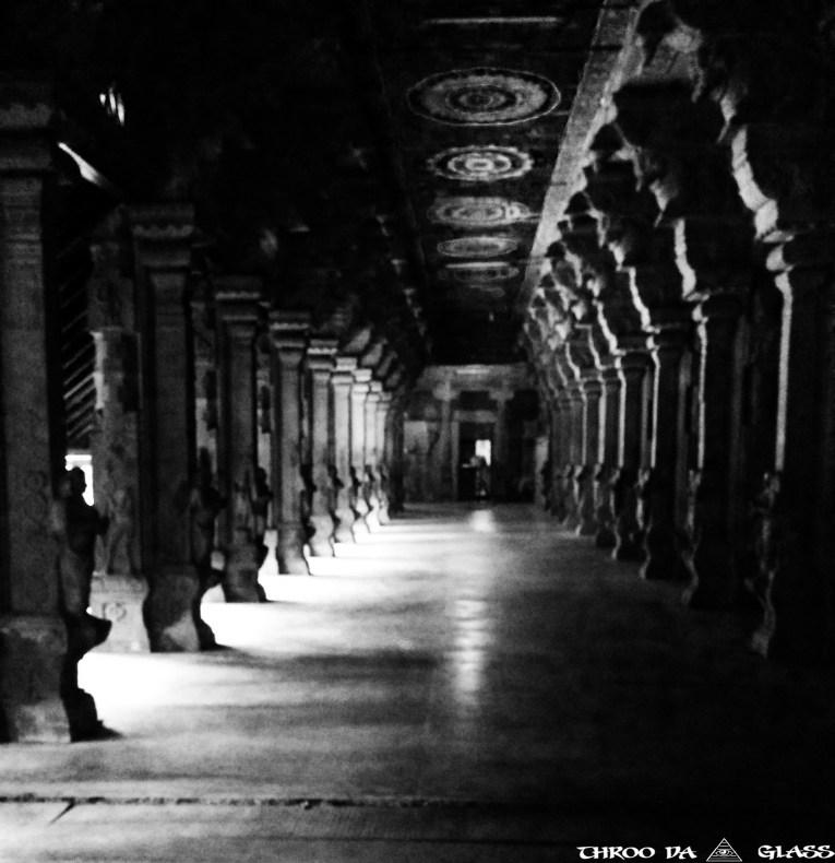 Suchindram,temple,pillar,ancienttravel,pravs,throo da looking glass