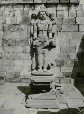 Dewa-Dewi dalam Sistem Pantheon Pada Masa Mataram Kuno (Bagian 2) (4/6)