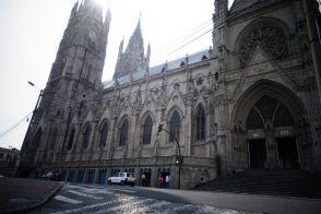 Basílica del Voto Nacional, eine gewaltige Konstruktion im gotischen Stil