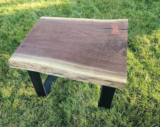 Finished this live edge Walnut end table to go with the coffee table I made earlier. Time to sell this pair soon!