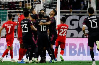 Héctor Herrera's late winner lifts Mexico over Canada, 2-1, sets up rematch with USMNT