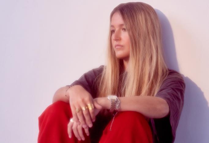 Singer Chelsea Cutler