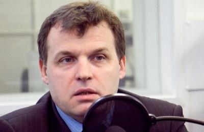 «Навальный с его разоблачениями нервно курит в сторонке»