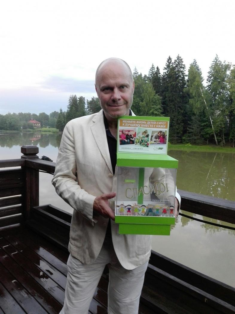 Алексей Кортнев: «С большей щедростью люди отдают деньги сильным»