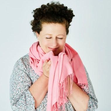 Забрать бездомное животное, связать розовый шарф: афиша благотворительных событий октября