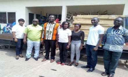 Schools Excess Furniture gives to education ministry