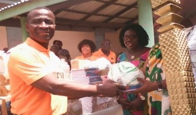 Abetifi Youngsters Club gives supplies to schools