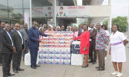 Presbyterian Church gives 300 health workers a week's lunch