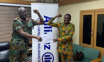 Allianz Life gives GHS8.4m insurance for medics