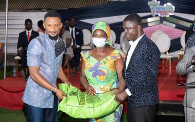 New Life Homeopathic Clinic makes a gift to widows in Accra ahead of Christmas