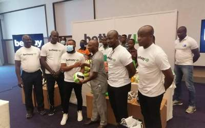 Betway Ghana gives equipment to Volleyball teams in Western and Western North Regions