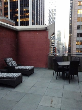 Rooftop Patio Kimpton Hotel The Muse