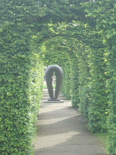Walking through the gardens at Keukenhof Garden