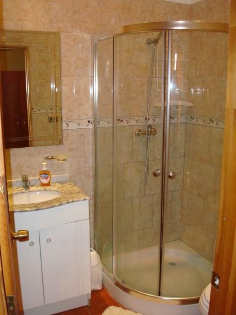 Tekarera Bathroom