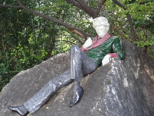 Oscar Wilde statue in Merrion Square, Dublin