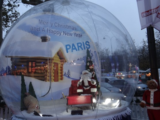 Santa photo in a snowglobe