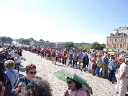 Versailles long lines entrance