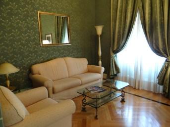 Excelsior Naples Suite