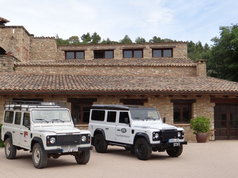 Land Rovers at Les Comes