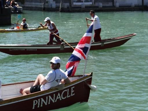 Vogalonga rowers
