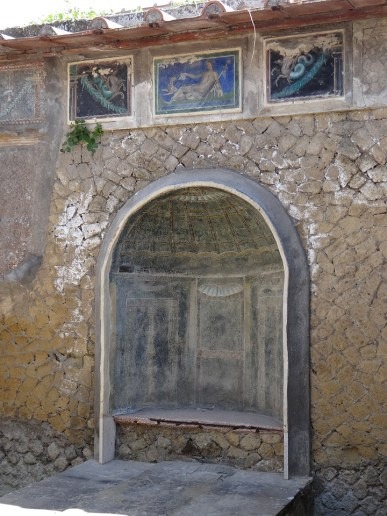 Herculaneum Roman house colors