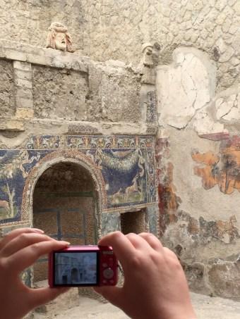 Herculaneum home and frescos