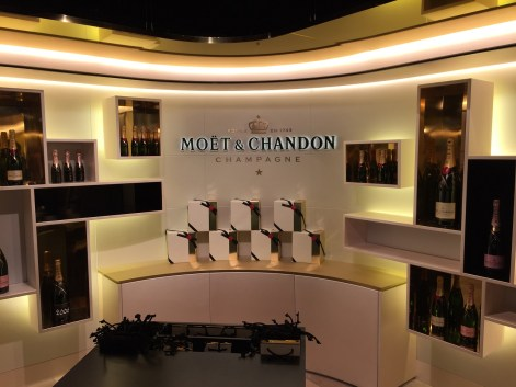 Moet & Chandon cellar tour champagne gift shop
