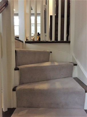 OneFineStay London Drayton Mews London stairs