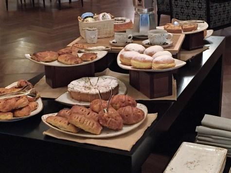 CaffeLatte Westin Palace Milan breakfast