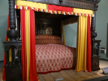 V&A Museum Great Bed of Ware Straw Bed Furniture
