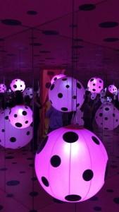 Kusama Infinity Mirrors exhibit Dot's Obsession room
