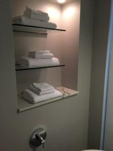Loews Hotel 1000 Seattle towels