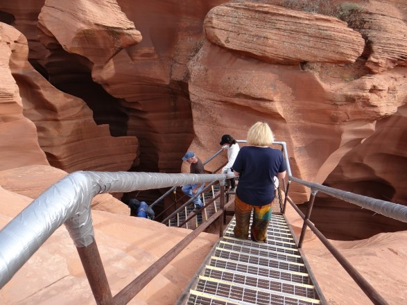 Lower Antelope Canyon Kens Tours climbing down the stairs