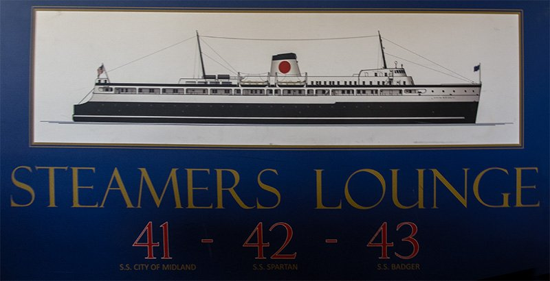 Steamers Lounge signage