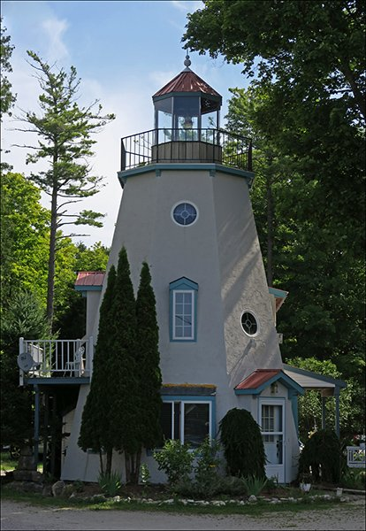 Faux Lighthouse – Gill's Rock