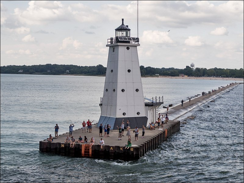 Ludington North Pierhead Light