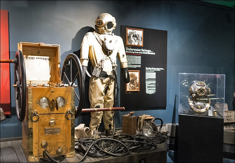 Vintage Deep Dive Apparatus