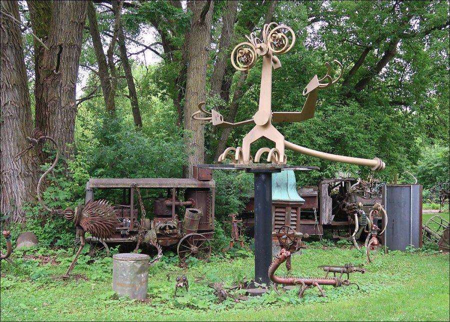 Dr. Evermor's Sculpture Park - Creatures