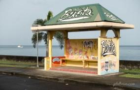 Arrêt de bus à Roseau sur l'île Dominique