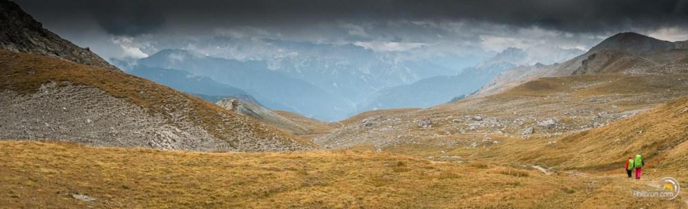 Une belle descente vers Soulier nous réchauffe après le passage du col dans le mauvais temps.