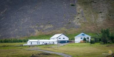 Notre hébergement à Hoffull. Très confortable et en pleine nature au pied d'un glacier.