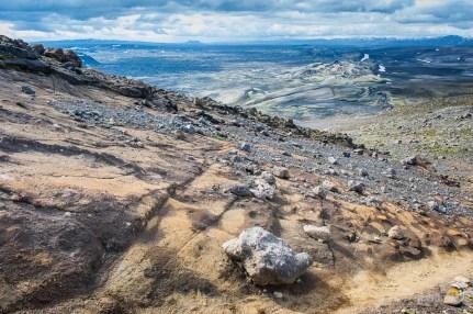 Les pentes du Laki à la descente. Roche et sol sont figés et quasiment durs !