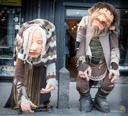 Le marionnettes de la rue principale
